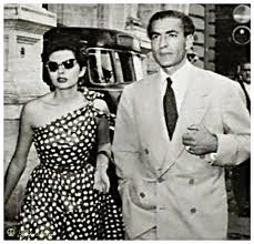 http://mghaed.com/essays/observation/Shah%20and%20Soraya%20in%20Rome.jpg